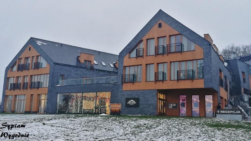 Osada Śnieżka - budynek hotelowy