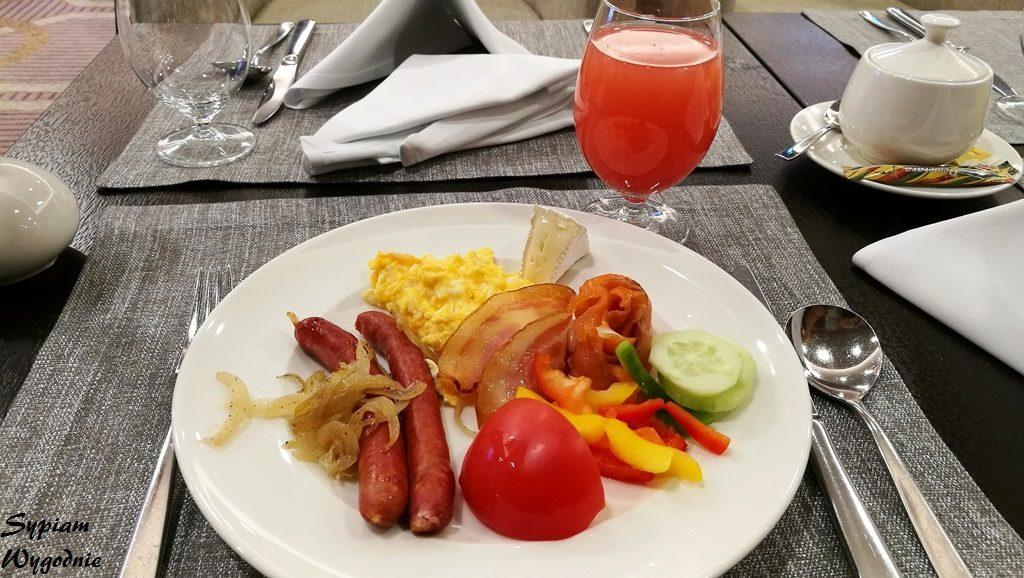 DoubleTree by Hilton Warsaw - śniadanie w Executive Lounge