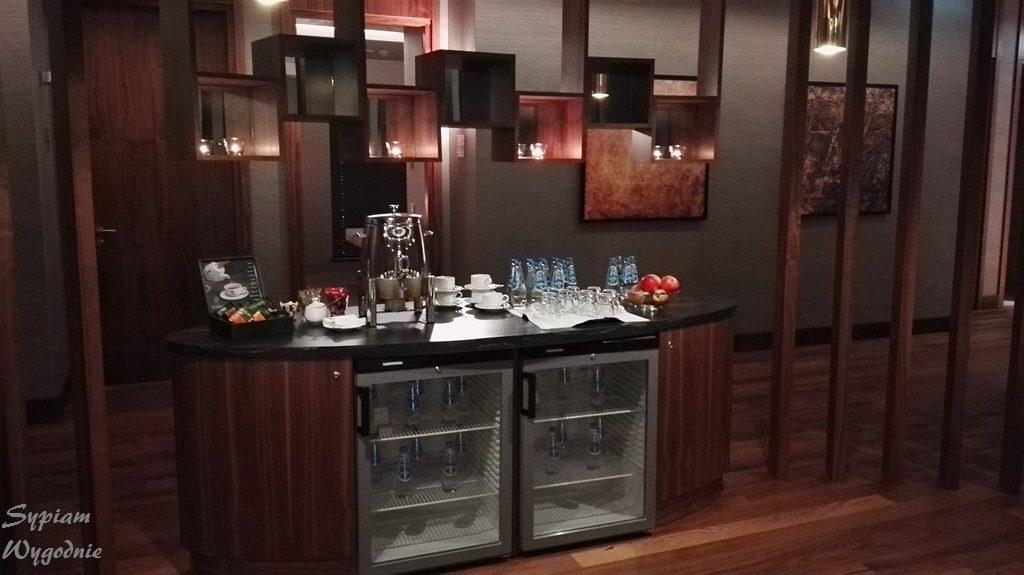 DoubleTree by Hilton Warsaw - bar w SPA