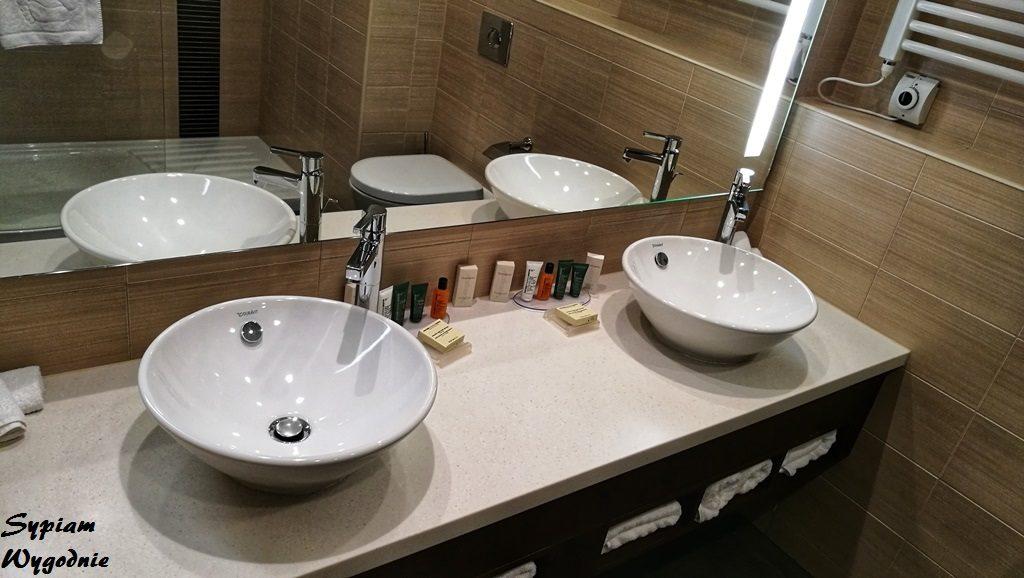Hilton Garden Inn Rzeszów - łazienka