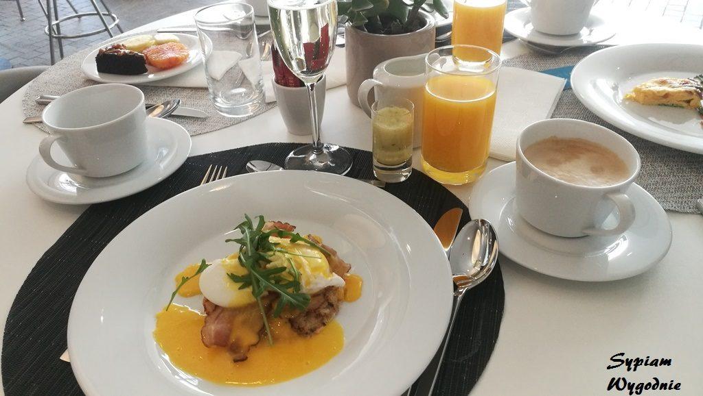 DoubleTree by Hilton Wrocław - śniadanie