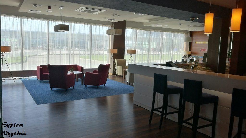 Hampton by Hilton Gdańsk Airport - bar