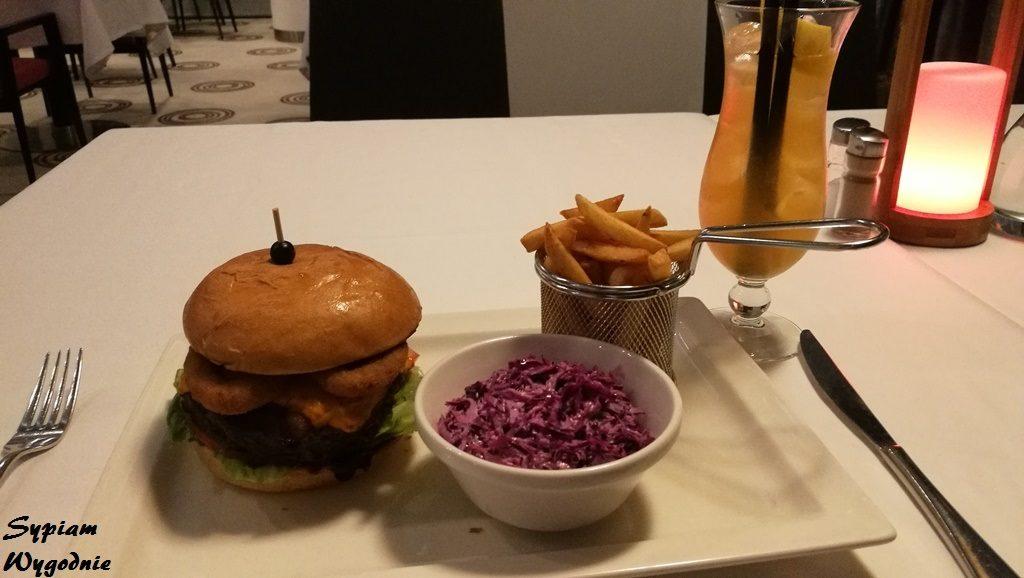 DoubleTree by Hilton Łódź - burger