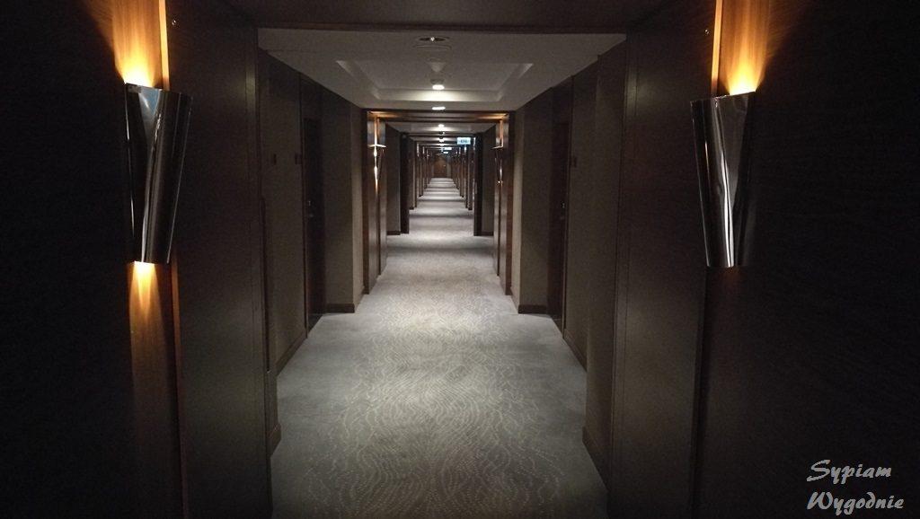 DoubleTree by Hilton Warsaw - korytarz