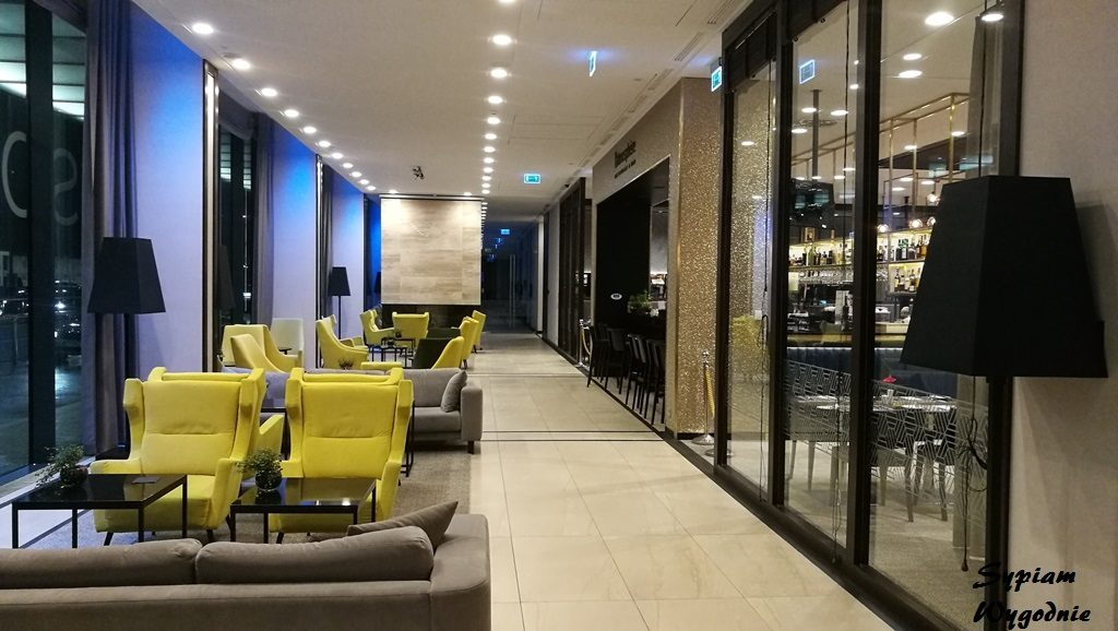 Hilton Garden Inn Kraków Airport - lobby