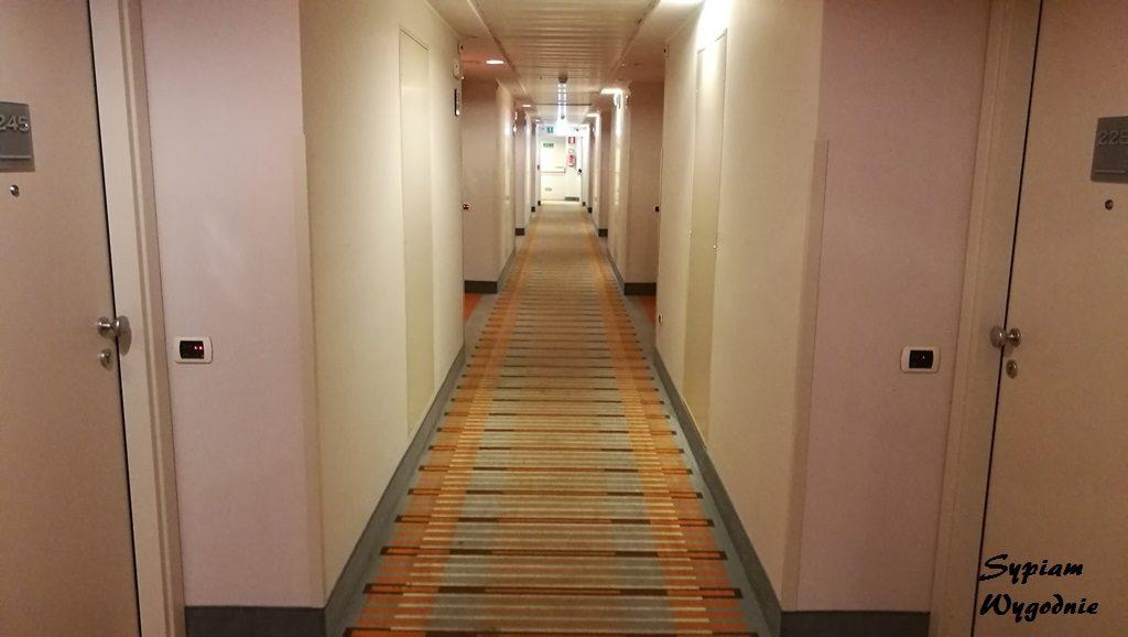Hilton Garden Inn Milan Malpensa - korytarz