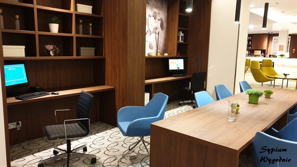 lobby w Hampton by Hilton Gdańsk Oliwa