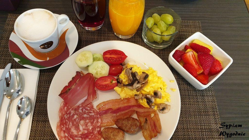 śniadanie w Hilton Milan