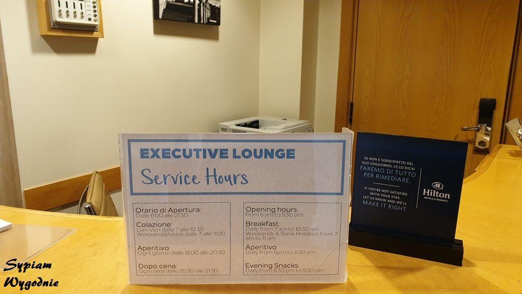 Hilton Milan - executive lounge - rozkład dnia