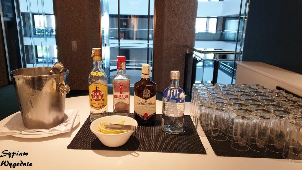 Hilton Madrid - executive lounge - alkohol
