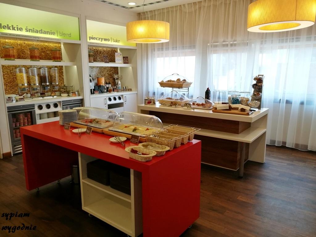 Bufet śniadaniowy w Hampton by Hilton Świnoujście