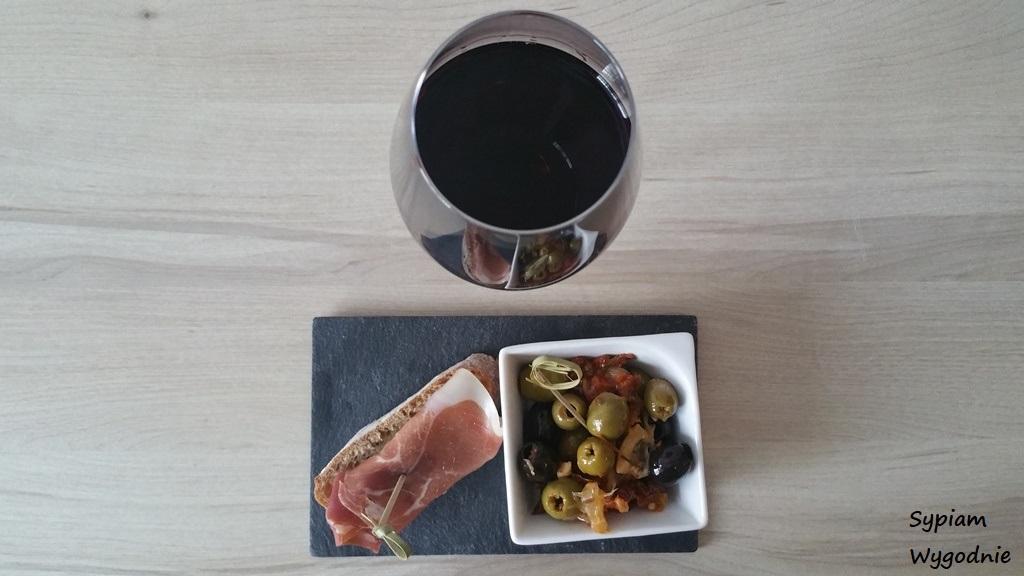 Mercure Gdańsk Posejdon - wino z przekąską
