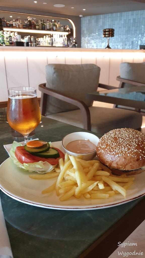 burger w wydaniu Hilton Świnoujście