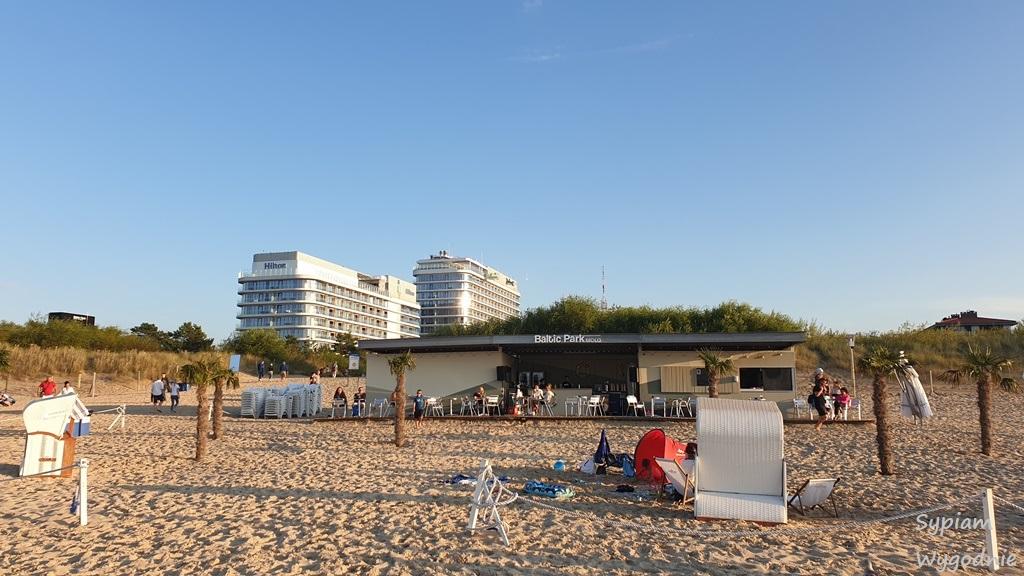 hotelowy bar na plaży dla Gości Hiltona i Raddisona w Świnoujściud